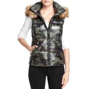 Aqua Faux Fur-Trim Camo Puffer Vest Jacket
